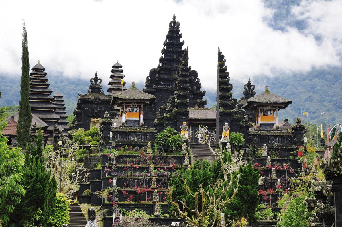 Bali rejse i 25 dage. Natur, kulturrejse og strandferie. Se wiseonlife.dk