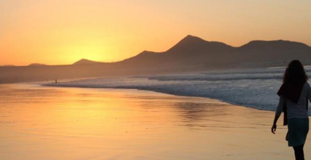 Mindfulnessretreat med meditation og yoga på Lanzarote, se wiseonlife.dk